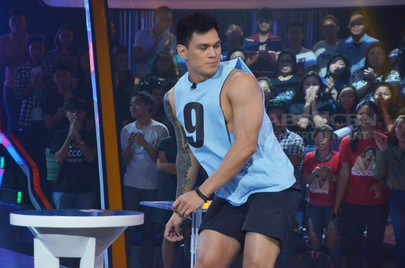 IN PHOTOS: Zeus Collins' winning moments on Minute To Win It Last Man Standing!